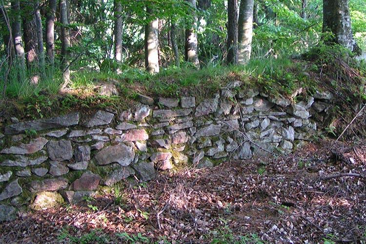 Pikeroi: Rest der Ringmauer