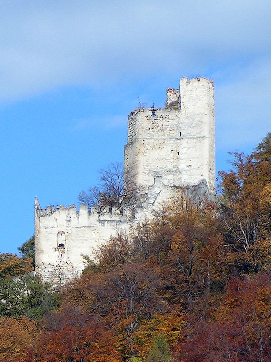 Thernberg: Ansicht der Talseite