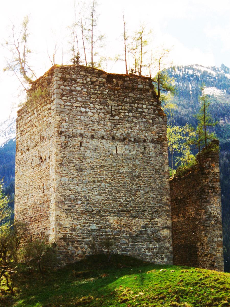 Hieburg: Bergfried, Nordseite.