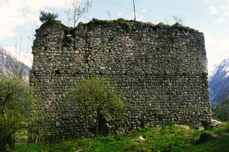 Hieburg: Aufstockung der südlichen Ringmauer (Innenseite).