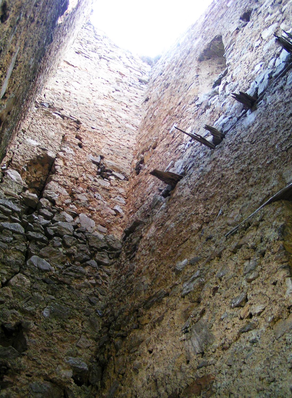 Kammerstein: Bergfried, Innenseite West und Nord.