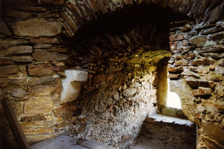 Kollmitz: Fensternische im Bergfried.