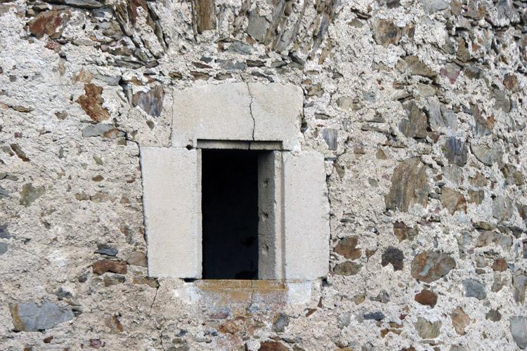 Kollmitz: Fenster am Hungerturm.