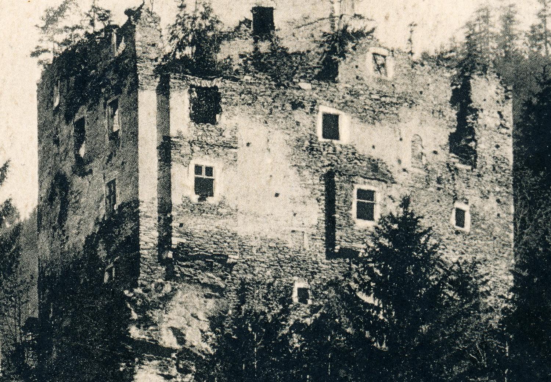 Niederkraig: Palas Südseite mit den Umbauten um 1450. Foto ca. 1913.