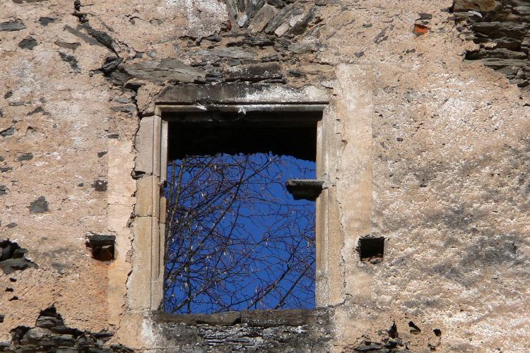 Niederkraig Palas: Kreuzstockfenster Typ B