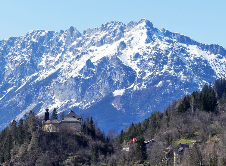 Gross-Sölk: Blick von Süden, vor der Bergkulisse des Ennstals