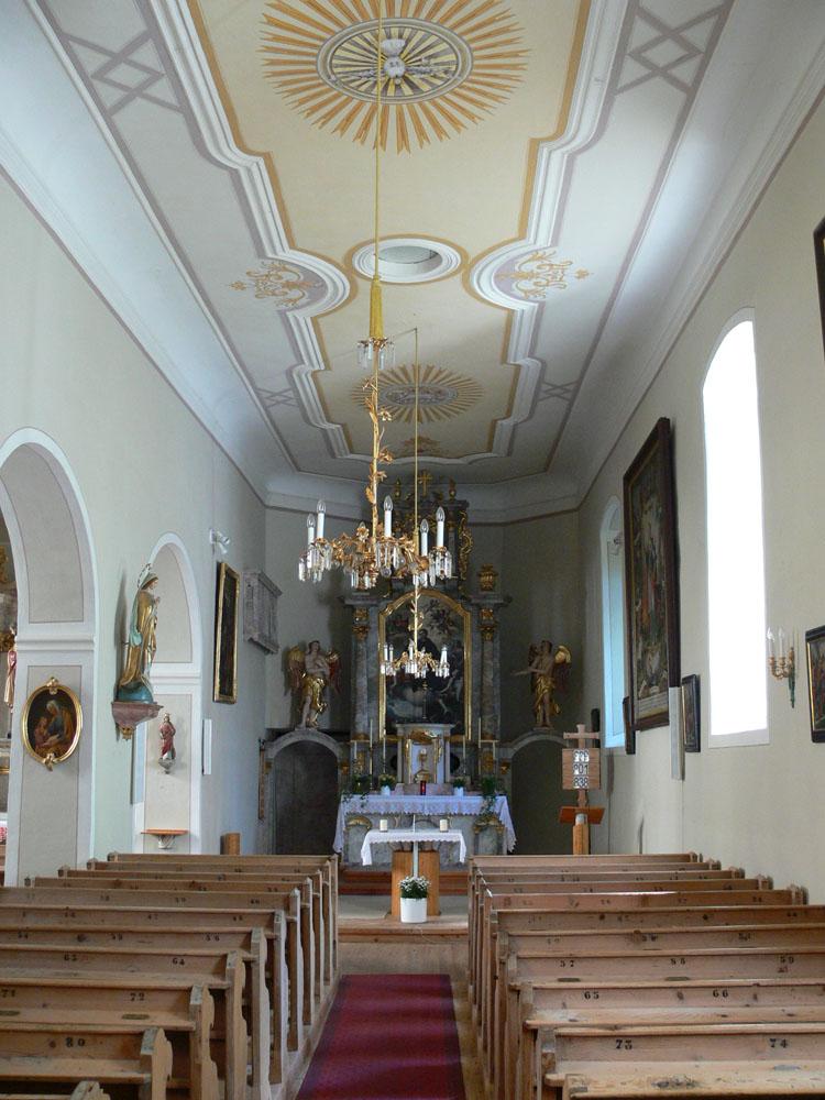 Gross-Sölk: Kirche mit 3/8 Schluss