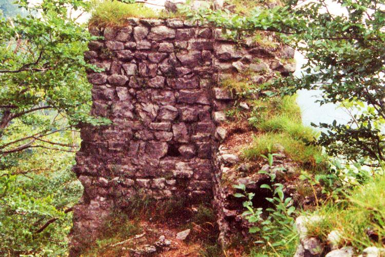 Gutrat: Nordwand des Wohntraktes. Zustand von 1997