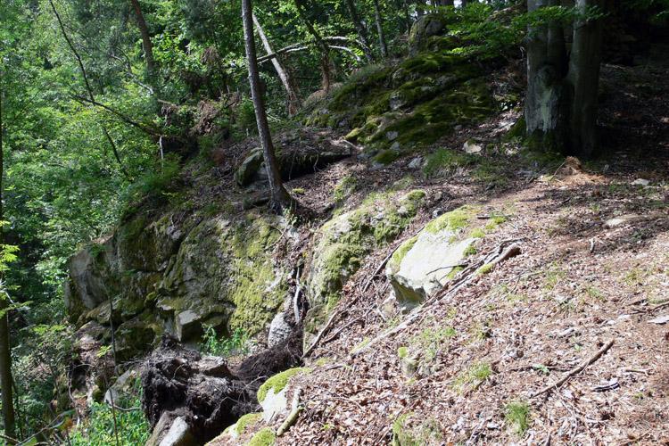 Klamleiten: Burgfelsen mit Resten der Ringmauer