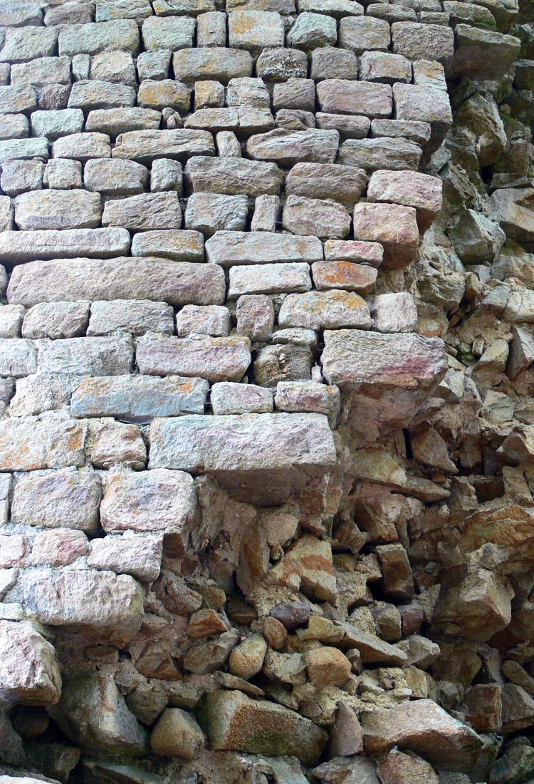 Klamleiten: Mauerwerk des Rundturms