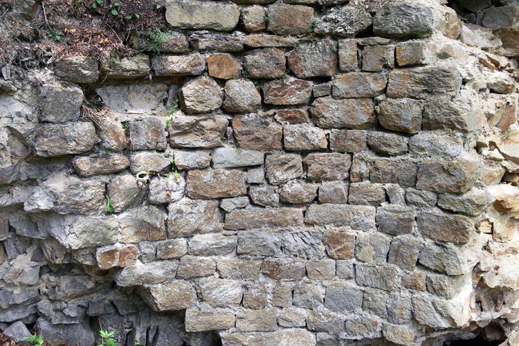 Klamleiten: Quadermauerwerk der inneren Mauerschale des Rundturms