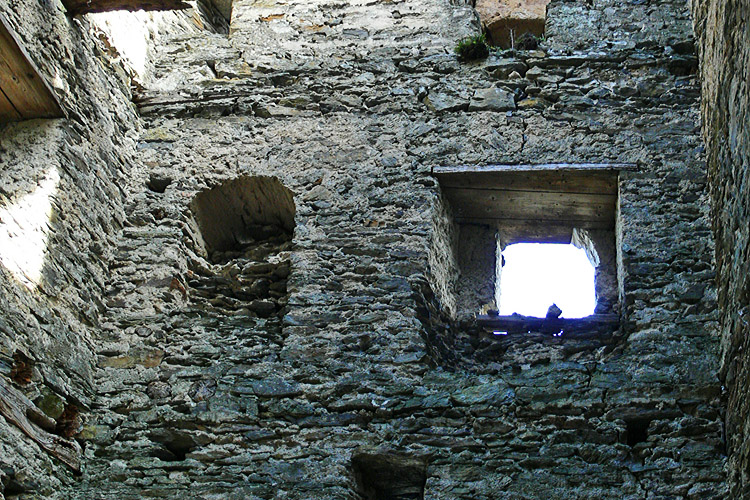 Niederkraig Wohnturm: 2.Obergeschoss, Ostseite.