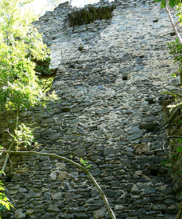 Pernegg: Wohntrakt am Südende der Burg, Westfassade