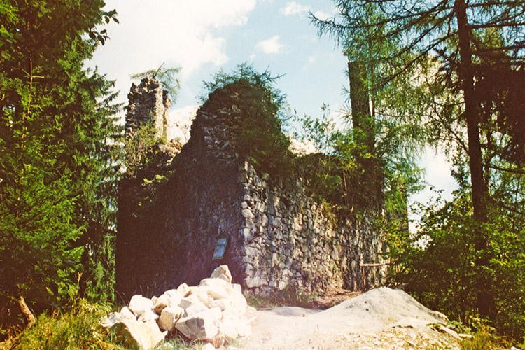 Salla-Klingenstein: Der Bergfried vor den Wiederaufbau (Foto 1994)