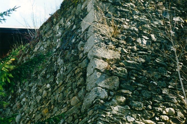 Säusenstein: Eckquaderung am Turm