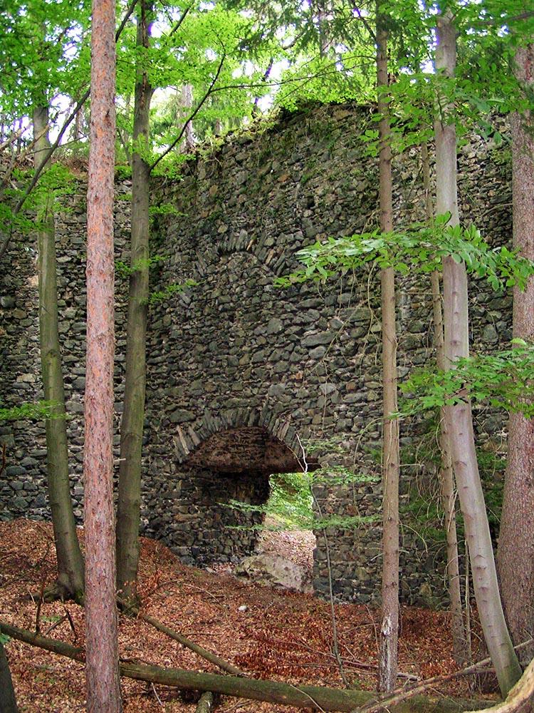 Untere Pernegg: Innenseite der Schildmauer