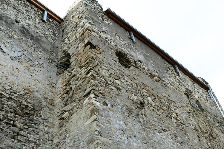 Obervoitsberg: Südostecke des Wohnturmes