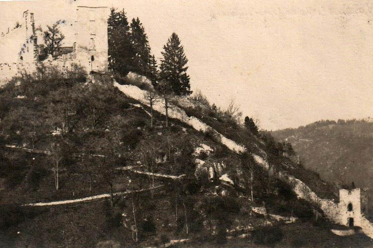 Obervoitsberg: Burg und Stadtmauer auf einer Ansichtskarte von 1910