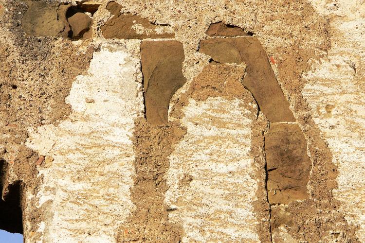 Obervoitsberg: vermauerte Bifore am Palas