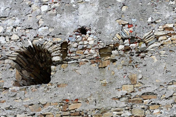 Obervoitsberg: vermauerte Fenstergruppe