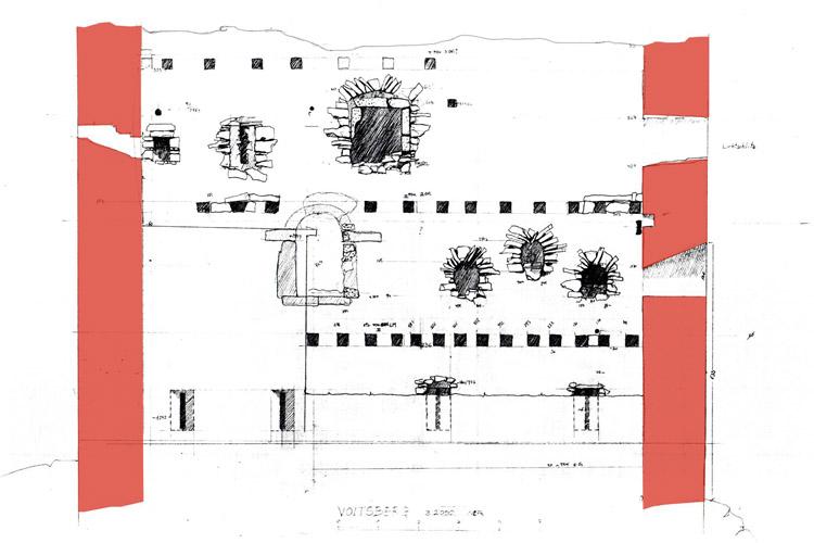 Obervoitsberg: Wohnturm mit Fenstergruppe