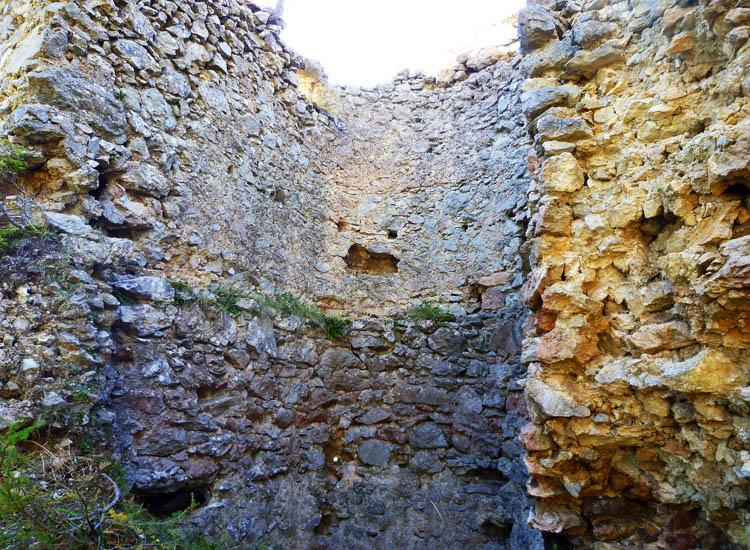 Ehrenfels: Innenseite des Sechseckturms