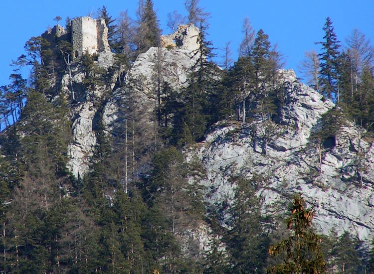 Ehrenfels, Ansicht vom Tal aus