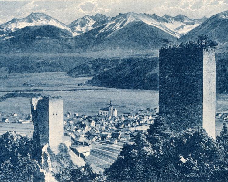 Fragenstein, Postkarte um 1930: links der noch nicht wiederaufgebaute Bergfried, rechts der Weineckerturm noch ohne Dach.