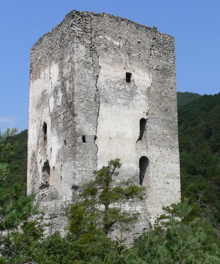 Fragenstein: Südost-Ecke des Bergfrieds