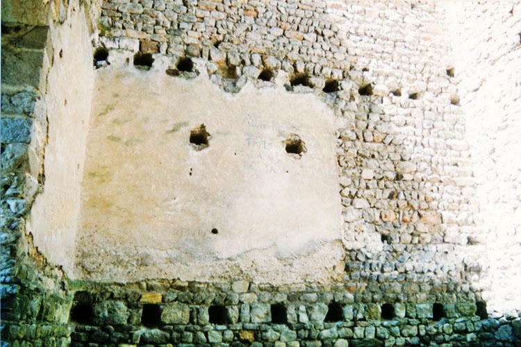 Fragenstein: Bergfried, Westseite im 1. OG