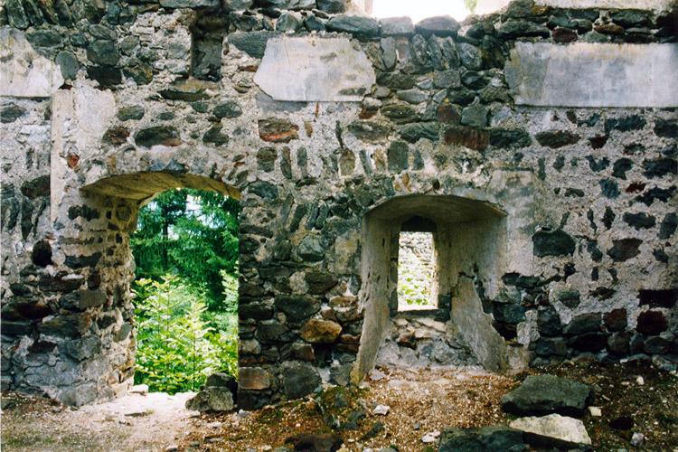 Kienburg: Erdgeschoss Hofseite des Festen Hauses