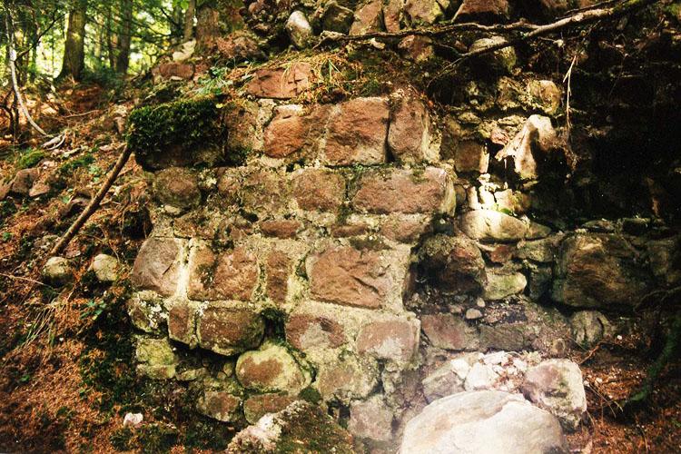 Luech: Mauerwerk