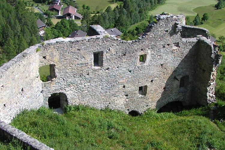 Rabenstein-Virgen: Die Hofseite des Osttraktes