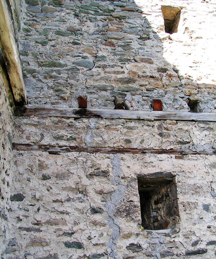 Rabenstein-Virgen: Detail der Deckenkonstruktion im Bergfried