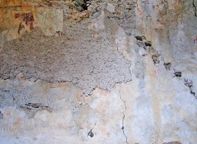 Rabenstein-Virgen: Pfaffenstöckl, die kärglichen Malereireste an der Westwand.
