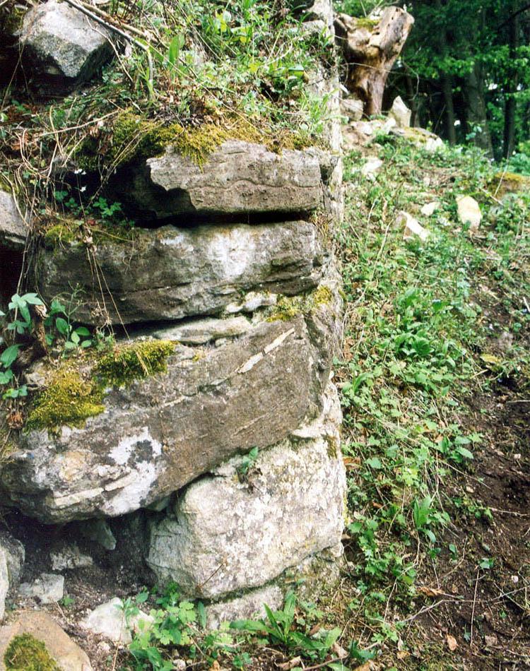 Thurnberg: Eckquader am Bergfried