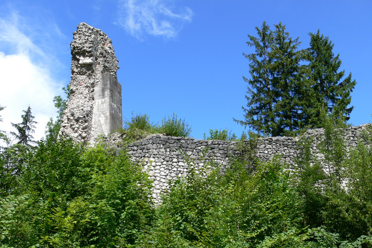 Wildenstein: der mit Stahlbeton gestützte Mauerzahn des Bergfrieds