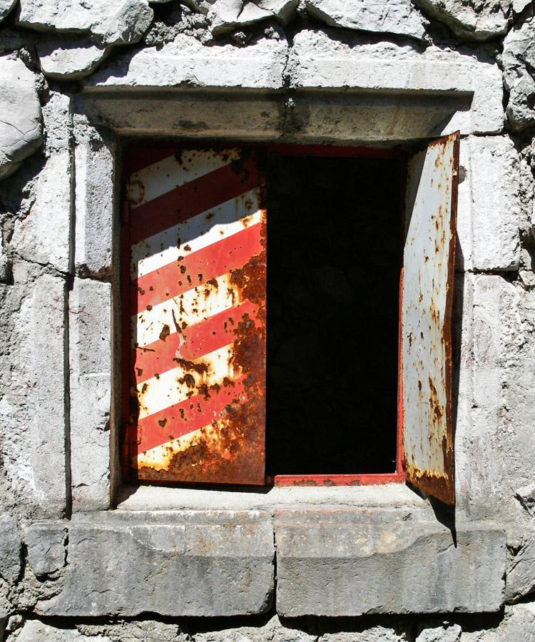 Wildenstein: aus Spolien falsch zusammengesetztes Fenstergewände