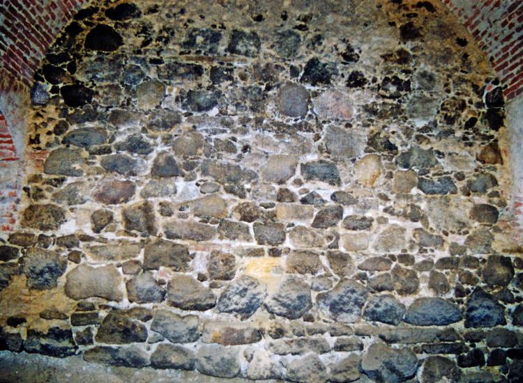 Schloss Gleichenberg: Mauerwerk der Ringmauer, Anfang 14. Jahrhundert