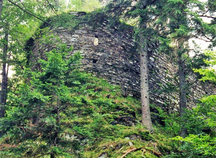 Hauenstein: nördliche Spitze der Ringmauer