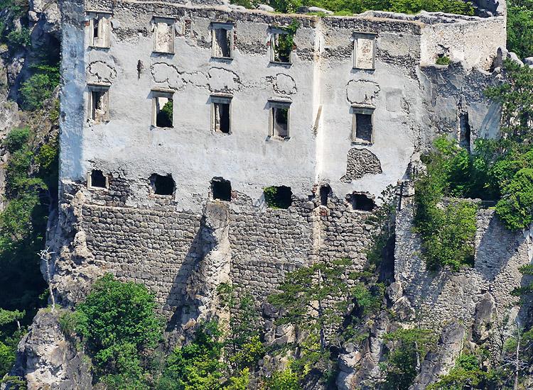 Rauhenstein: Fassade des Palas