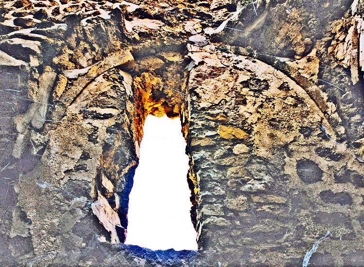 Rauhenstein: Südwand der Burgkapelle